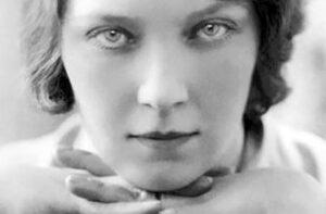 PAR: «Jean Rhys: Writing Precariously», Numéro de la revue «Women: A Cultural Review», ed. J. Lopoukhine, F. Regard et K.-J. Wallart